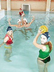 Five waterpolo playing teenagers toying eachothers pussy