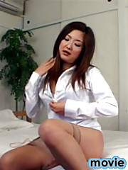 Stud unloads in her thight and hairy Japanese pussyhole