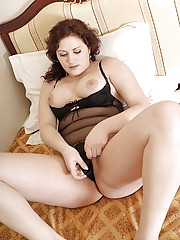 Lustful plumper plays with her fresh tight pinkie