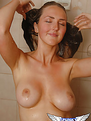 Kristys wet and naked in the shower