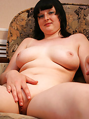 Plump ravenhead plays with her ripe heavy knockers